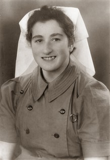 Photo:Joan Newton trained as a nurse at Northampton and then worked at Stoke Mandeville from 1948 - 1952.